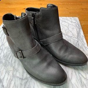Cole Haan Women's Boot Size 9B Zipper Buckle S220